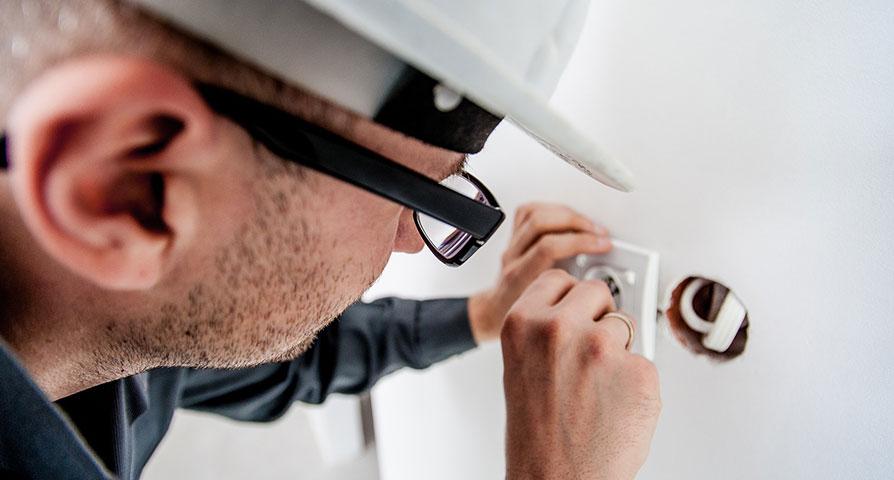 Lagkrav på behörighet hos elektriker